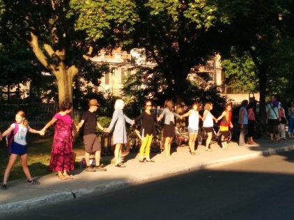 Chaine Humaine pour sauver l'école publique 013